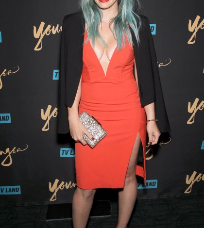 rs_634x1024-150331184337-634.Hilary-Duff-Cleavage-NYC.ms.033115(2)