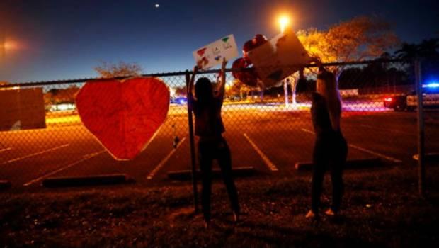 Marcharán sobrevivientes de balacera en Florida para exigir control de armas